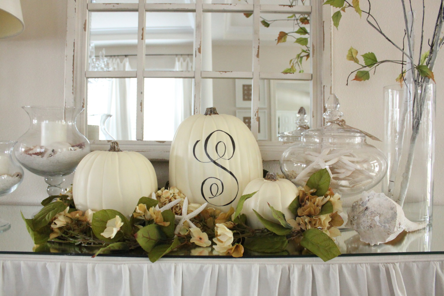 Coastal Fall Decor in Entry