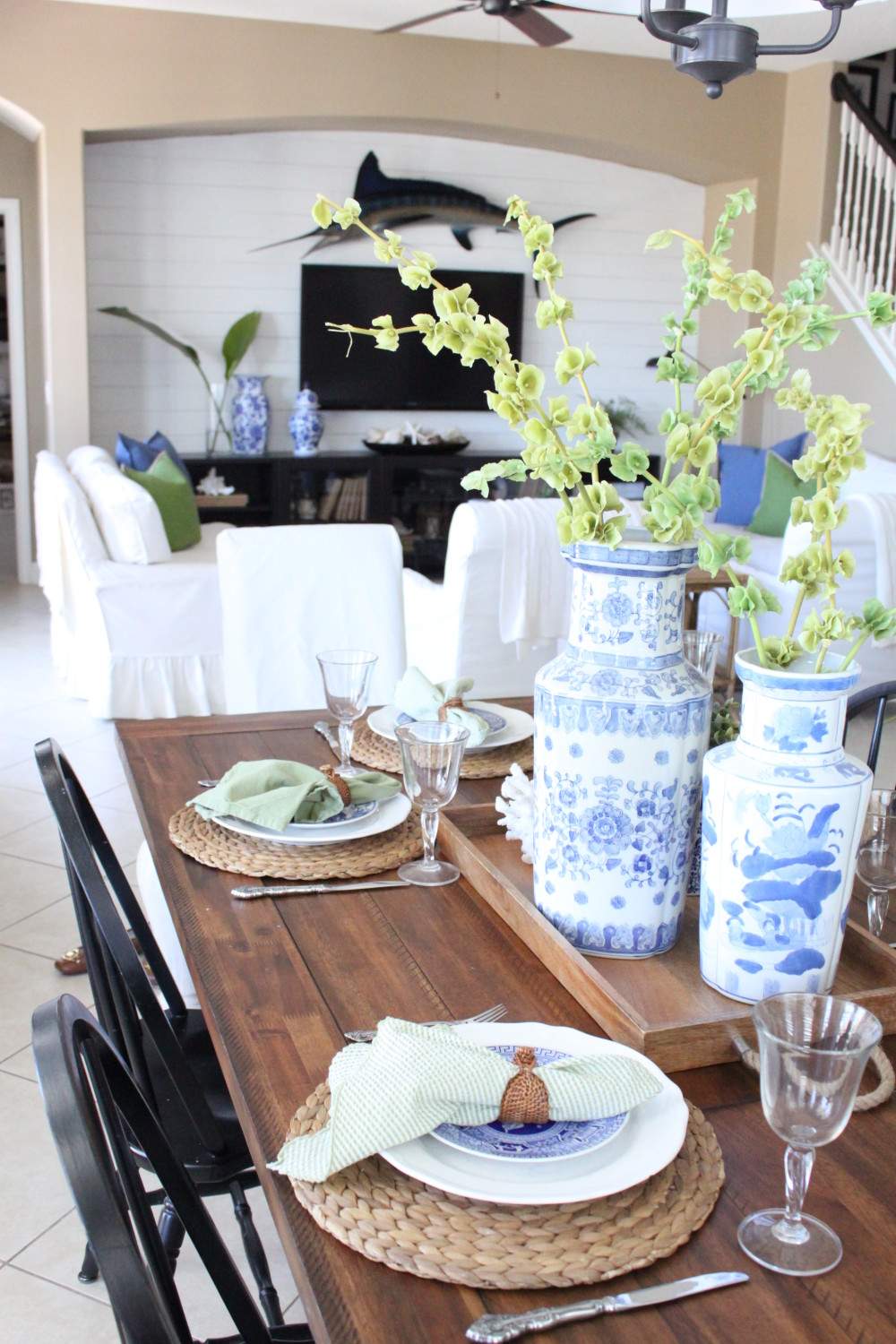A Blue And Green Cottage Table Starfish Cottage