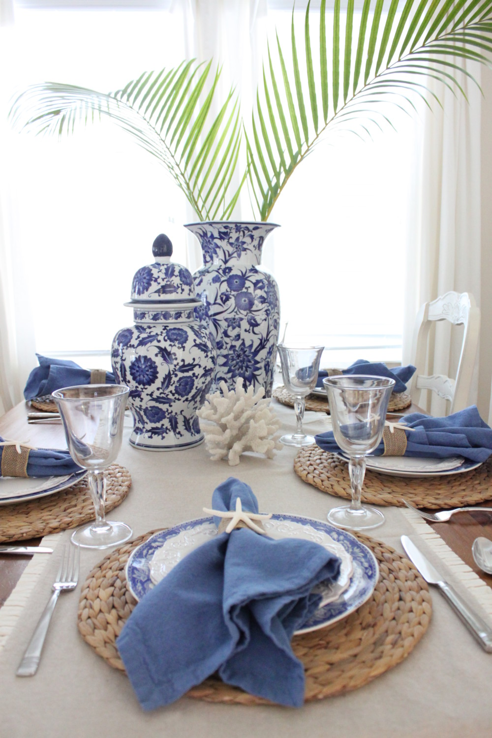 Blue and White Table Setting : blue and white table settings - pezcame.com