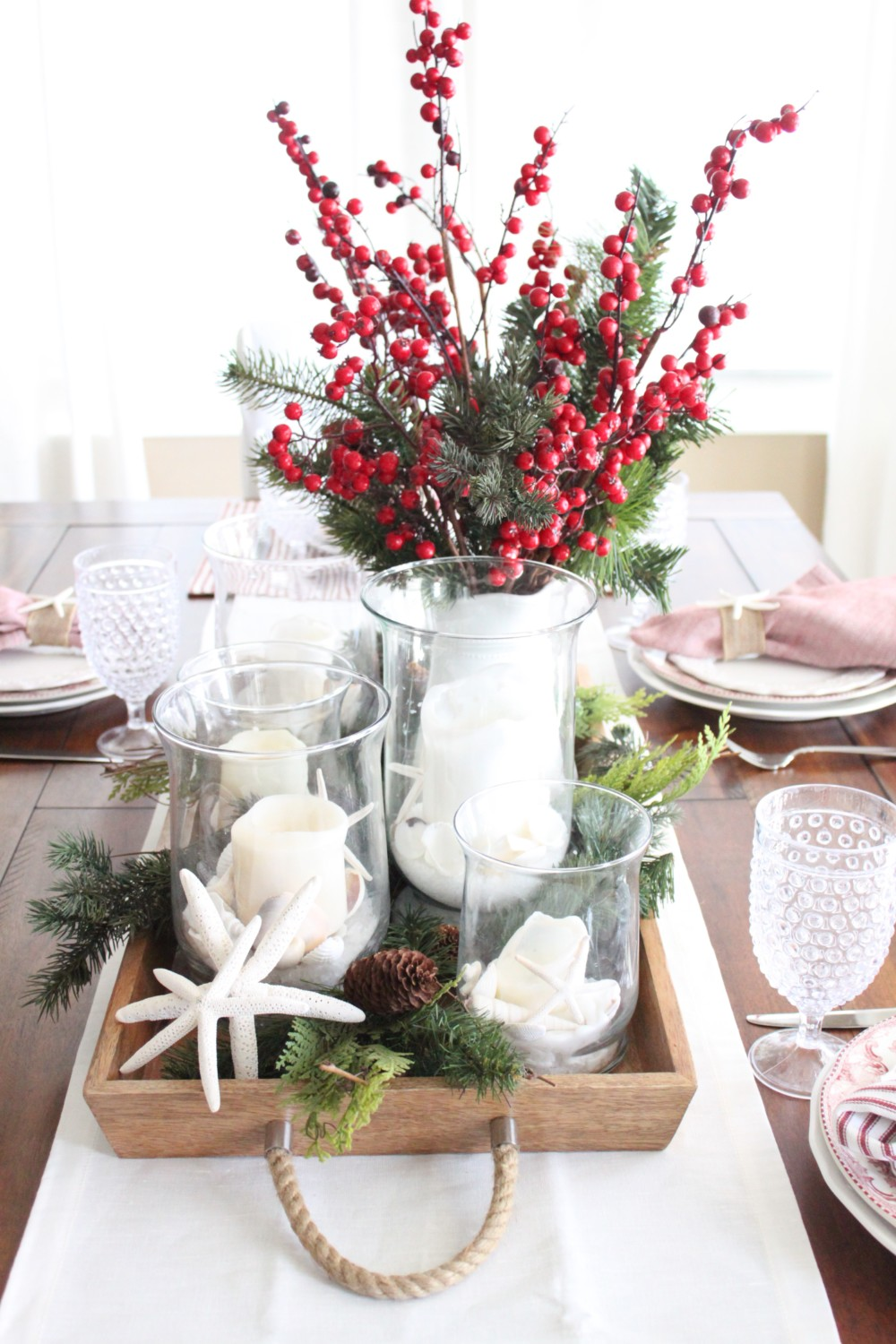 A starfish cottage holiday tablescape hop