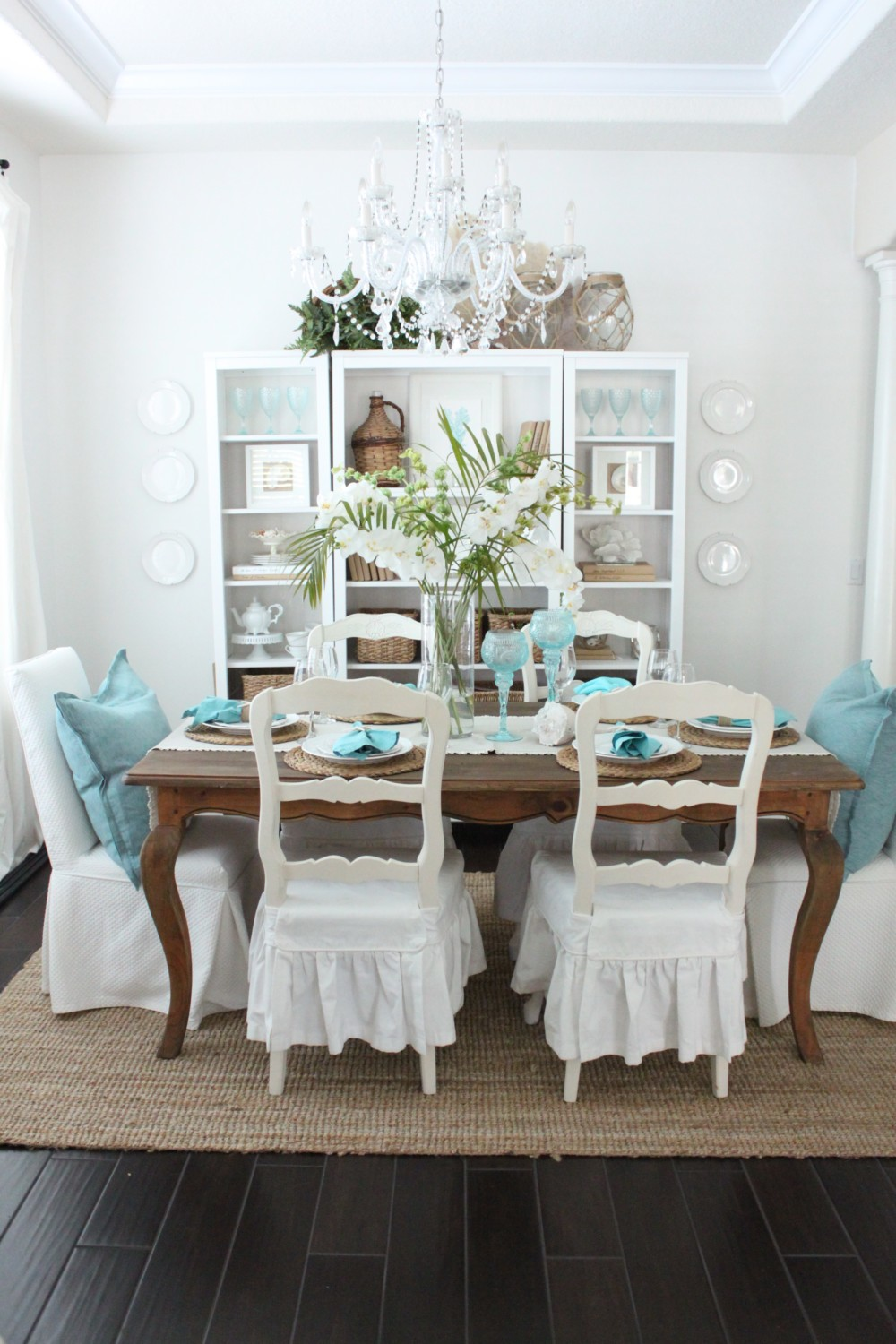 An Early Spring Coastal Style Dining Table - Starfish Cottage