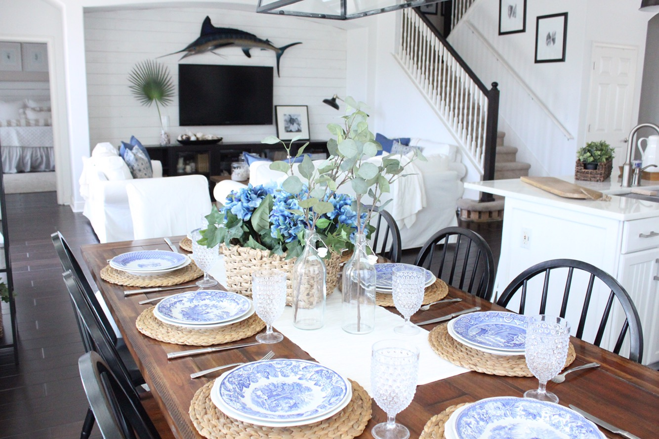 Blue and white dining rooms