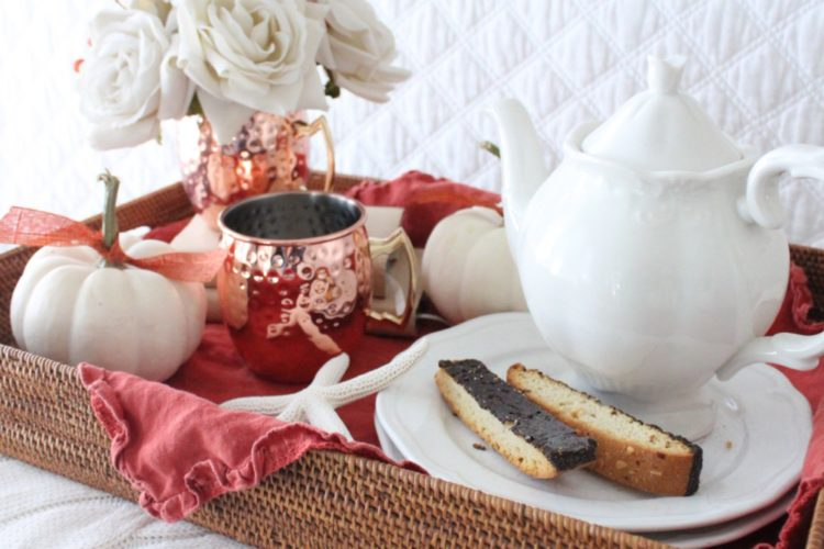"""""""Tres' Chic Style""""- Tips for Decorating with Trays"""